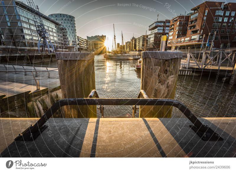 Hamburg Hafencity Sonnenuntergang schön Wasser Haus ruhig Architektur Holz Gebäude Deutschland Romantik Brücke Industrie Sehenswürdigkeit Wahrzeichen Geländer