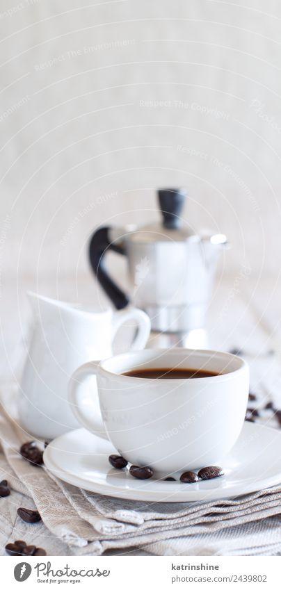 Tasse Kaffee mit Milch Brot Frühstück Getränk Espresso Tisch frisch lecker braun schwarz weiß Tradition Hintergrund Bäckerei caffè Koffein trinken Lebensmittel