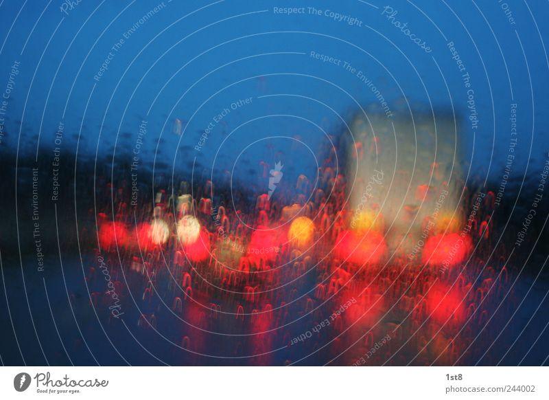sommer deluxe Wasser Straße Bewegung Wege & Pfade PKW Autofenster Regen Energiewirtschaft Verkehr Geschwindigkeit leuchten Technik & Technologie fahren Autobahn