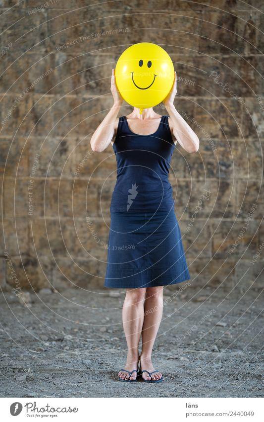 Smile 2 Frau Gesicht lachen Freundlichkeit Luftballon festhalten