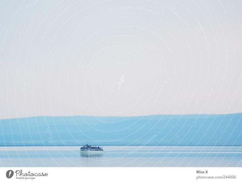 eine Bootsfahrt die ist lustig...eine Bootsfahrt die ist schön Wasser Meer blau Ferien & Urlaub & Reisen Farbe See Landschaft Wasserfahrzeug Ausflug fahren