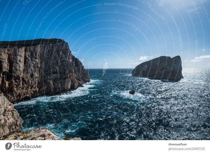 Meer mit Klippen Umwelt Natur Erde Luft Wasser Himmel Wolken Horizont Sommer Schönes Wetter Wellen Küste Bucht Fjord Riff Mittelmeer Insel Sardinien Italien