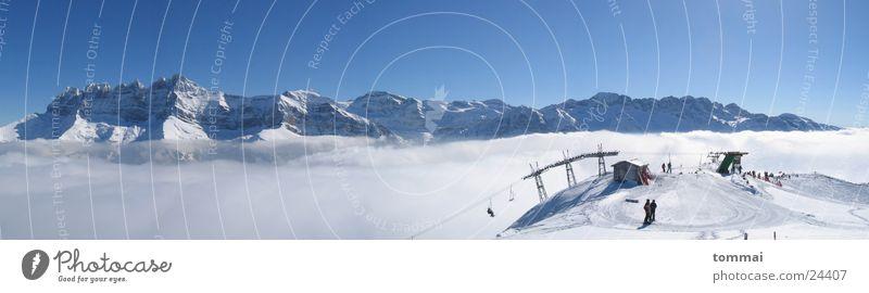 Les Dents du Midi Nebel Kanton Wallis Morgins Skilift Berge u. Gebirge Schnee Skifahren Wetter blau