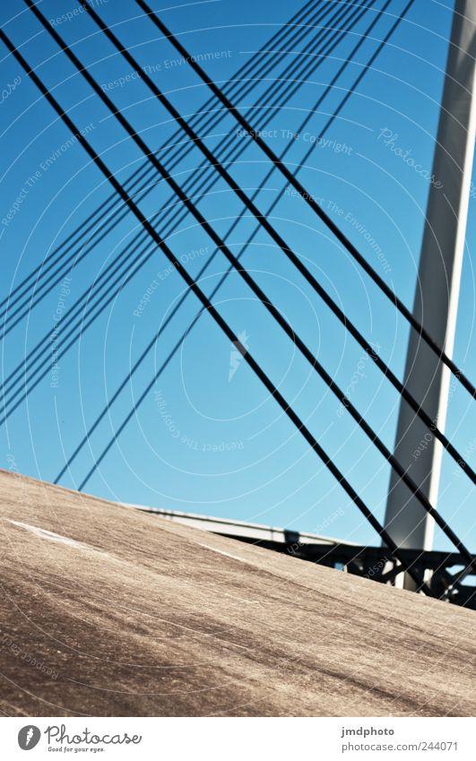 gespannt Ferien & Urlaub & Reisen Sommer Wege & Pfade Zufriedenheit Kraft Beton Ausflug Design modern Seil Perspektive Brücke Sicherheit Güterverkehr & Logistik