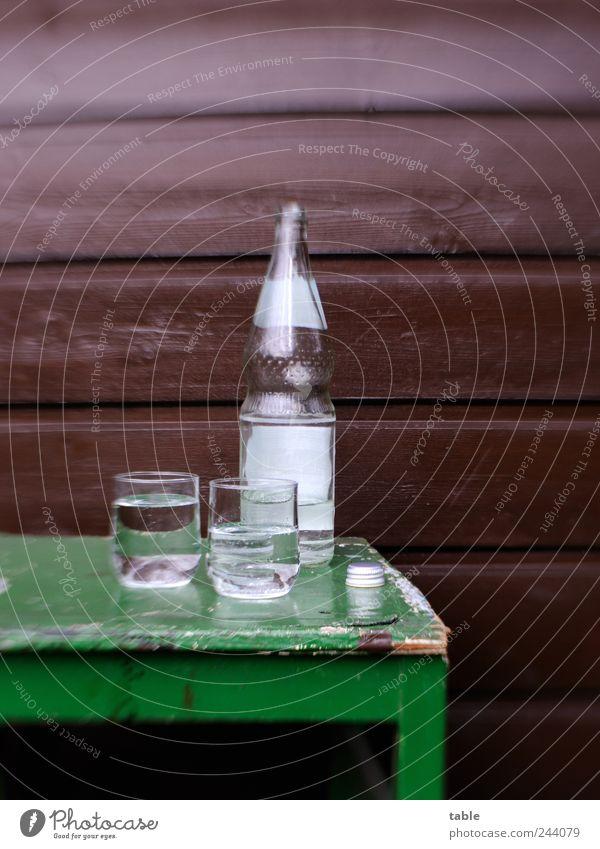 Erfrischung alt grün kalt Erholung Wand Garten Holz grau Mauer braun Glas Glas Lebensmittel nass Fassade leer