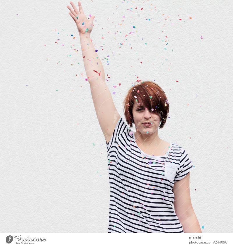 >500< Konfettis Frau Mensch Jugendliche Freude Erwachsene feminin Leben Gefühle Party Stil Stimmung Feste & Feiern Freizeit & Hobby Arme Fröhlichkeit T-Shirt