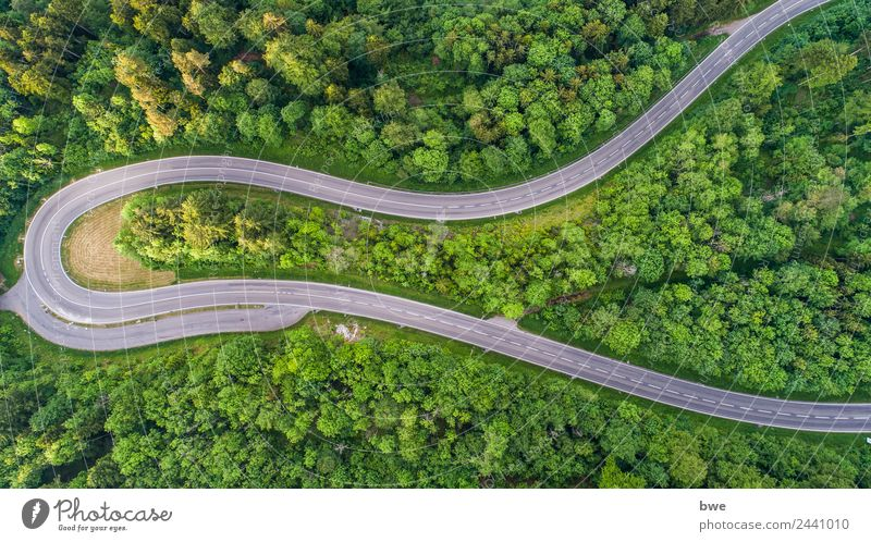 Mountain pass road Lifestyle Freude Sport Motorsport Fahrradfahren Landwirtschaft Forstwirtschaft Technik & Technologie Energiewirtschaft Erneuerbare Energie