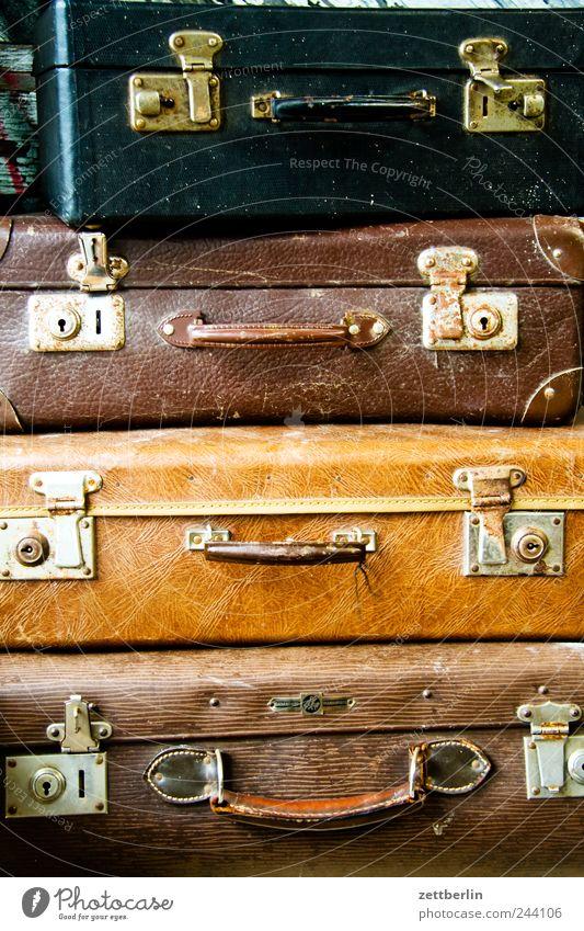 Koffer Ferien & Urlaub & Reisen Tourismus Ausflug Ferne Freiheit Städtereise Expedition Sommerurlaub Kunststoff Leder alt Griff Scharnier geschlossen Stapel 4
