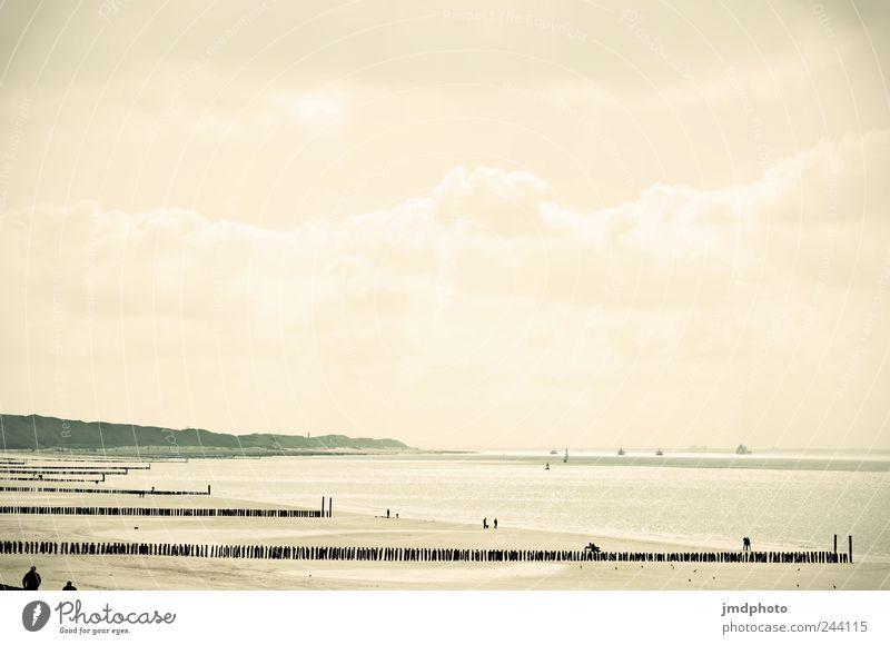 sommertag Freude Sommer Ferien & Urlaub & Reisen Strand Meer Wolken Freiheit Glück Küste hell Wellen gehen Ausflug laufen frei Tourismus