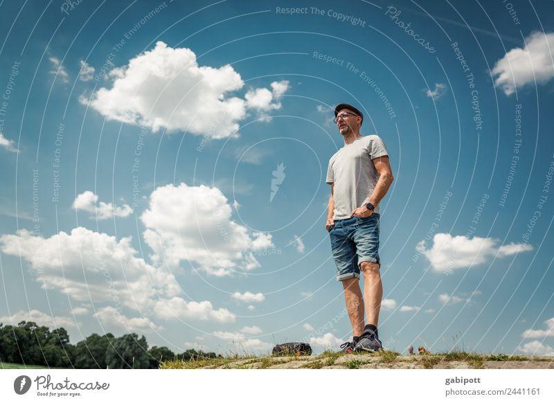 Für den Titel fehlt die Zeit |UT Dresden Mensch maskulin Mann Erwachsene Leben Natur Landschaft Himmel Wolken Sonne Sommer Schönes Wetter Hügel stehen