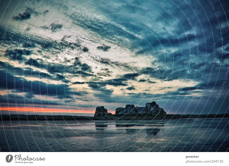 Traumhaus Umwelt Natur Landschaft Wasser Himmel Wolken Horizont Sonnenaufgang Sonnenuntergang Sonnenlicht Sommer Klima Klimawandel Wetter Schönes Wetter Felsen