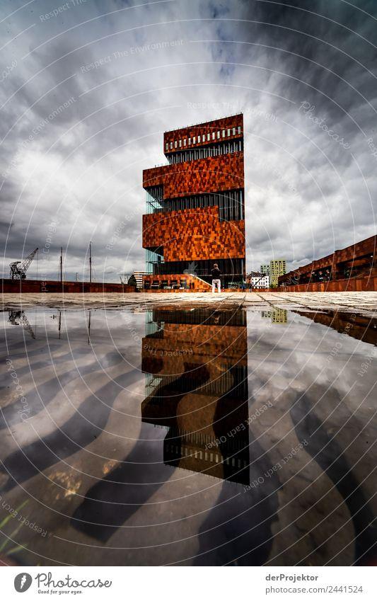 Museum of Applied Arts & Sciences in der Spiegelung Ferien & Urlaub & Reisen Tourismus Ausflug Sightseeing Hafenstadt Bauwerk Gebäude Architektur