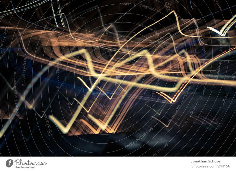Zickzacklichter Kunst ästhetisch verrückt Gefühle Euphorie Bewegung Dynamik Licht Lichterscheinung Nachtleben dunkel Beleuchtung wild durcheinander Kontrast