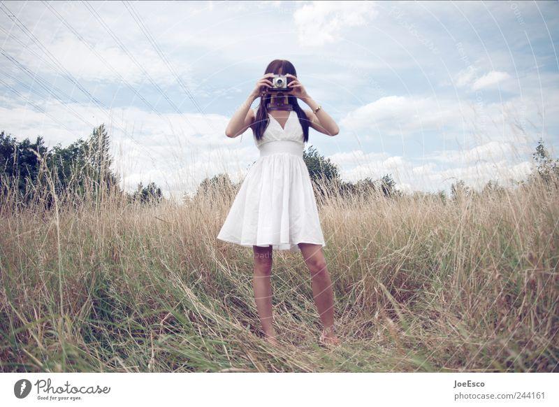 schlagabtausch Frau Himmel Natur schön Ferien & Urlaub & Reisen Wolken Erwachsene Ferne Freiheit Landschaft Stil Mode Feld Freizeit & Hobby elegant natürlich
