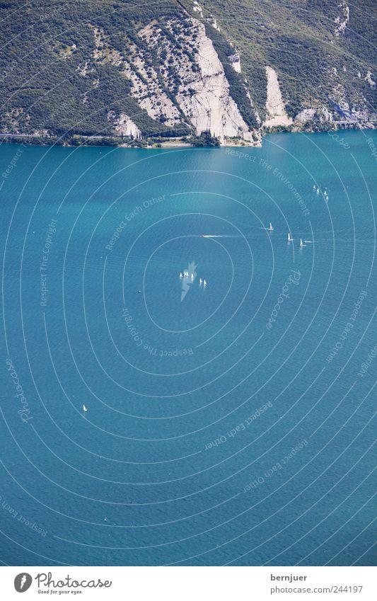 no wind today Natur Landschaft Felsen Alpen Wellen Küste Stein Wasser Fernweh Gardasee Italien Segelboot See Berge u. Gebirge Segeln Ferien & Urlaub & Reisen