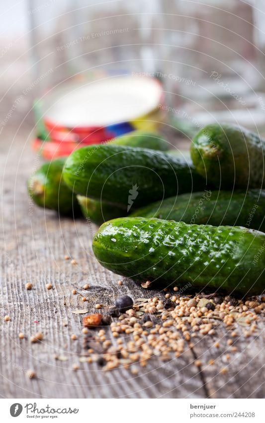 Sauregurkenzeit grün Holz Lebensmittel Kochen & Garen & Backen Kräuter & Gewürze Gemüse Appetit & Hunger Holzbrett Diät Bioprodukte Schalen & Schüsseln