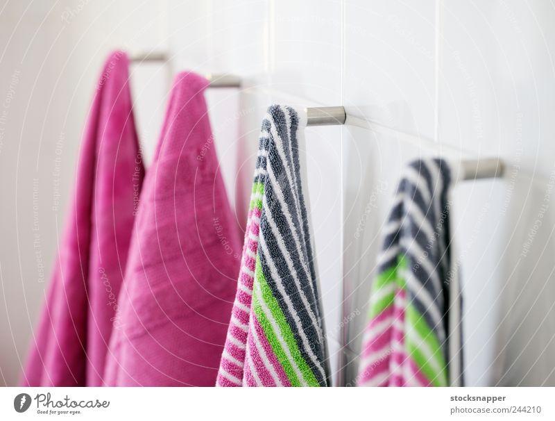 neu Streifen Bad Sauberkeit Reihe hängen gestreift Textilien Nagel Handtuch Baumwolle erhängen Objektfotografie