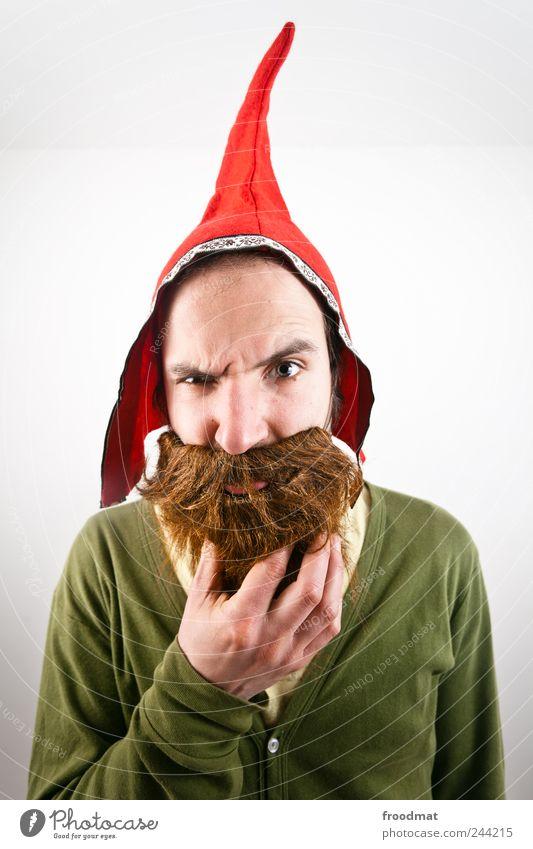 überlegen Karneval Mensch maskulin Junger Mann Jugendliche Erwachsene Mütze brünett rothaarig Vollbart Behaarung bedrohlich frech lustig verrückt trashig wild