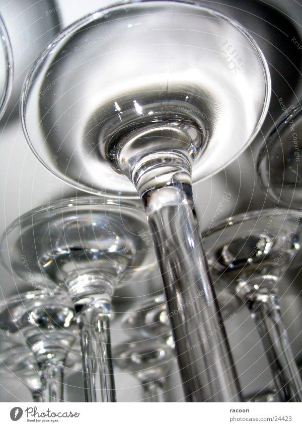 Gläser weiß schwarz grau Fuß Glas Küche durchsichtig Geschirr Weinglas