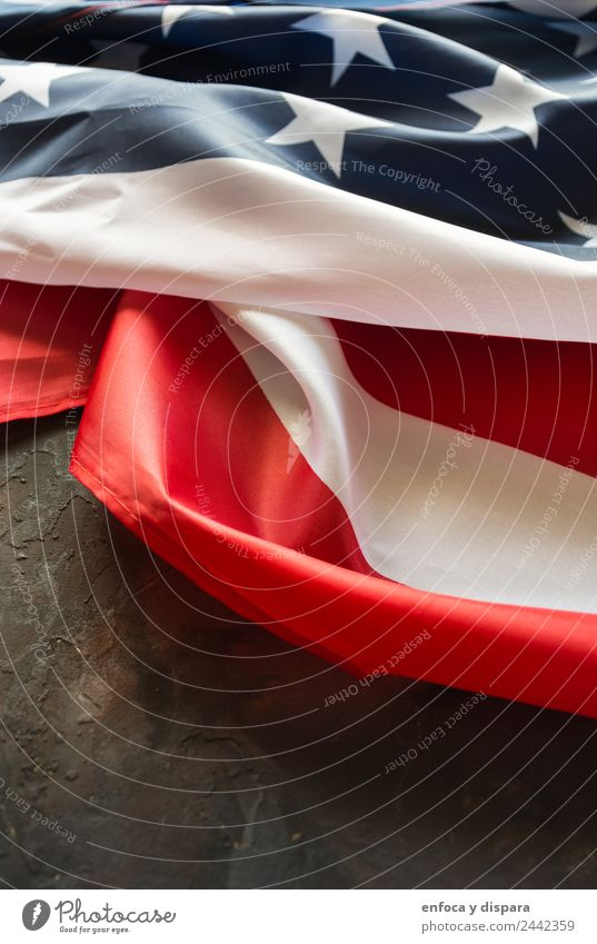 amerikanische Flagge Freiheit Wind Zeichen Schilder & Markierungen Hinweisschild Warnschild Streifen Fahne blau rot weiß Selbstständigkeit Amerikaner