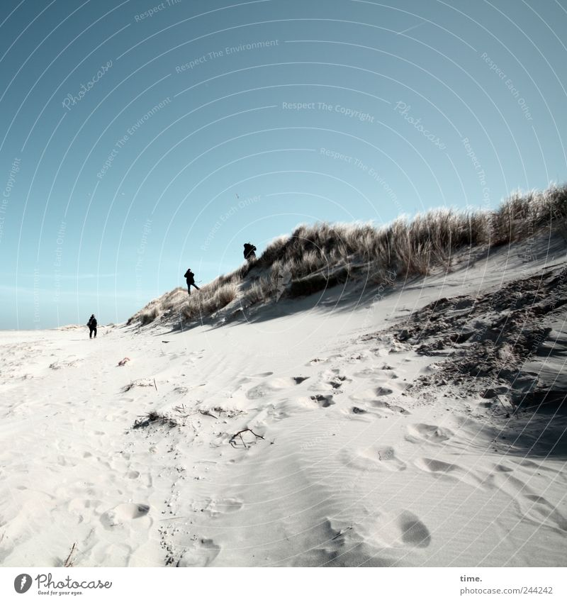Spiekeroog | Grenzgänger Mensch Himmel Natur blau Ferien & Urlaub & Reisen Strand Erholung Umwelt Freiheit Erwachsene Glück Sand Stimmung Freundschaft Tourismus Insel
