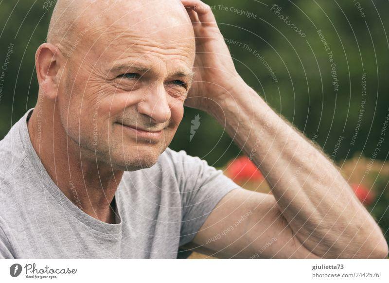 What's the answer? | UT Dresden maskulin Mann Erwachsene Männlicher Senior 1 Mensch 45-60 Jahre 60 und älter Glatze beobachten Denken Blick authentisch