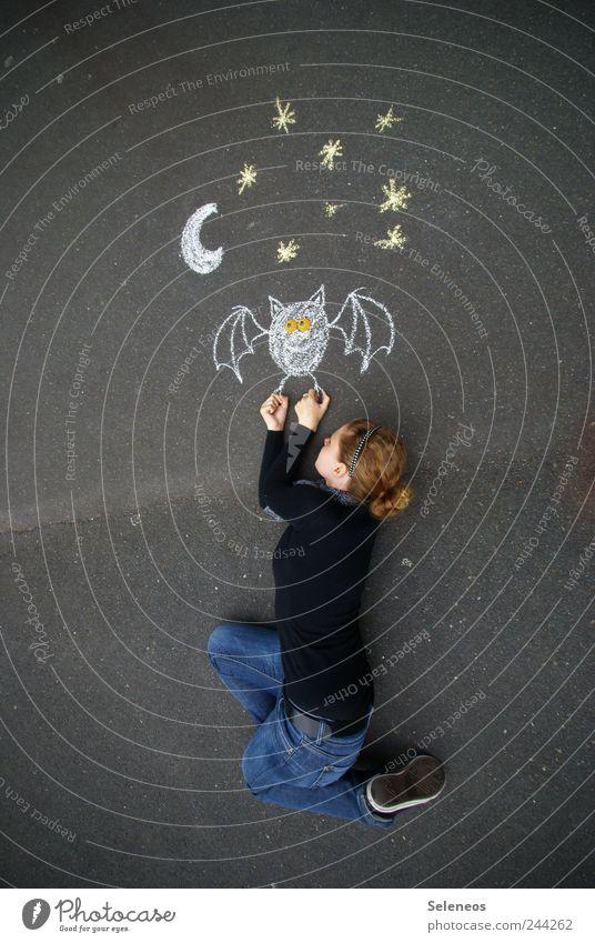 Mondfahrt Freizeit & Hobby Spielen Ausflug Mensch Junge Frau Jugendliche Erwachsene 1 Strassenmalerei Nachthimmel Stern Straße Jeanshose Pullover Accessoire
