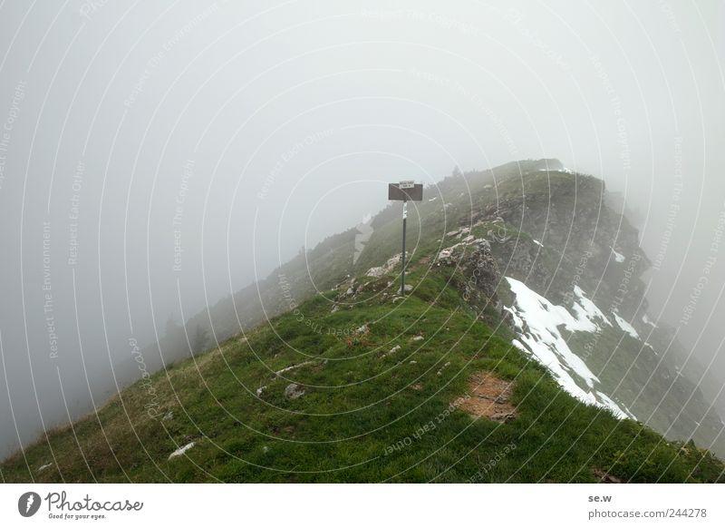 Mordor - Grenzposten grün ruhig Wolken dunkel kalt Schnee Herbst Berge u. Gebirge Gras grau Regen Umwelt Nebel wandern Schilder & Markierungen Felsen