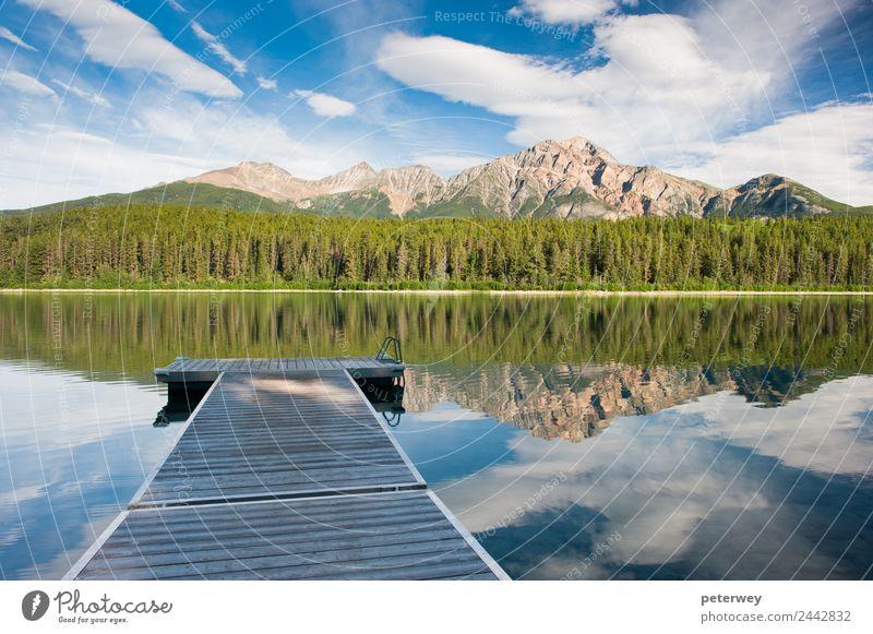 Patricia Lake, Jasper national park, Canada Natur Sommer blau grün Wolken Wald Berge u. Gebirge See grau Ausflug Park Kanada desolat Jasper National Park