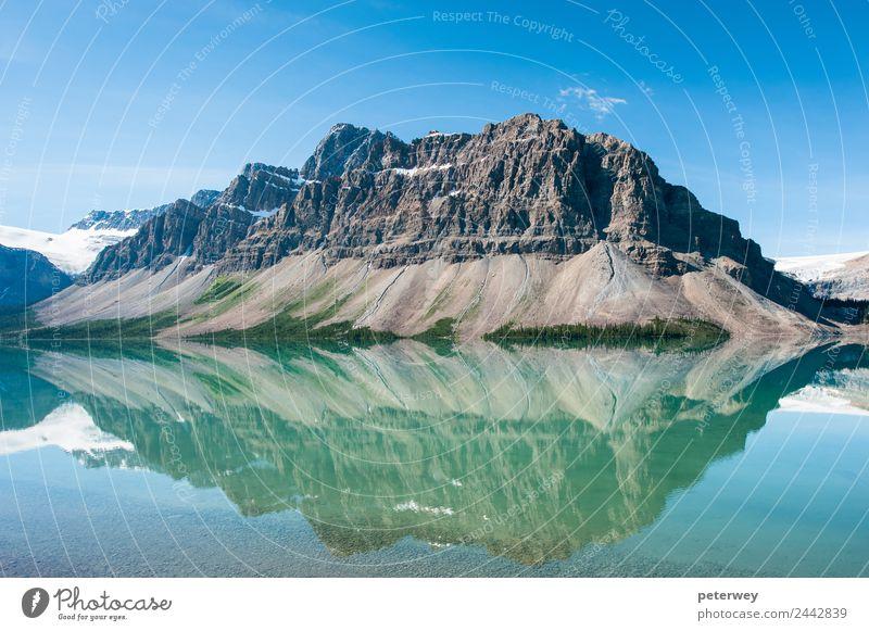 Bow Lake in Banff National Park, Canada Natur blau Landschaft Berge u. Gebirge See grau Ausflug wandern Kanada Nationalitäten u. Ethnien alpin Alberta