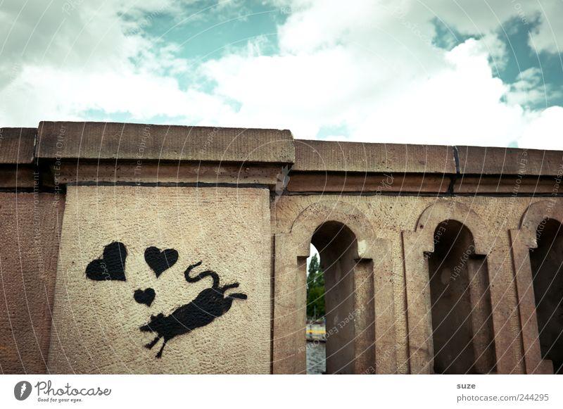 In love Umwelt Himmel Wolken Brücke Bauwerk Maus Stein Graffiti Herz Liebe authentisch klein lustig Stadt schwarz Symbole & Metaphern Wandmalereien Berlin