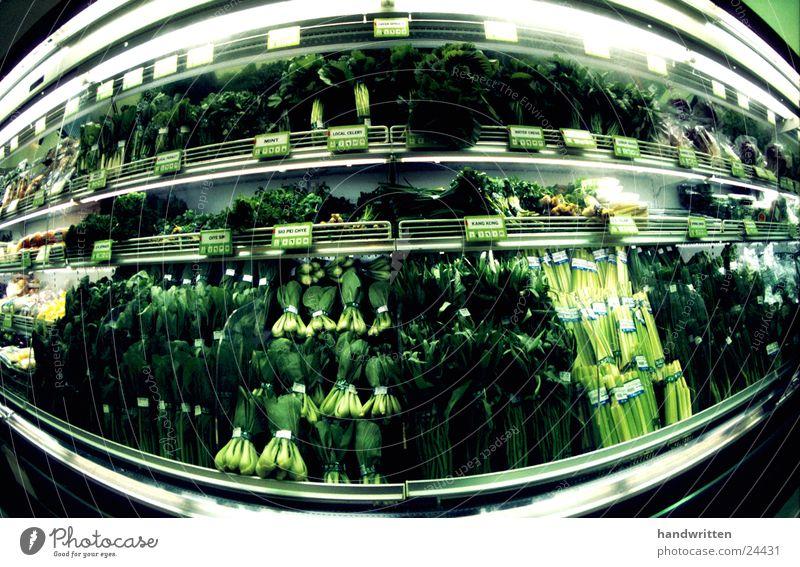 vegetarisch grün Vegetarische Ernährung Fischauge Weitwinkel Supermarkt kalt Gesundheit Gemüse