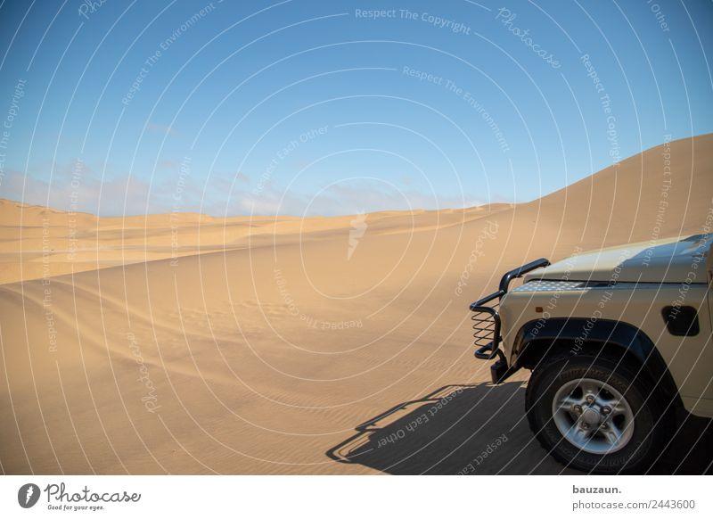 auf geht's. Wüste Auto Fahrzeug Offroad 4x4 4x4 Touren Urlaub Himmel Wolkenloser Himmel Sand Düne Natur Ferien & Urlaub & Reisen Außenaufnahme Abenteuer
