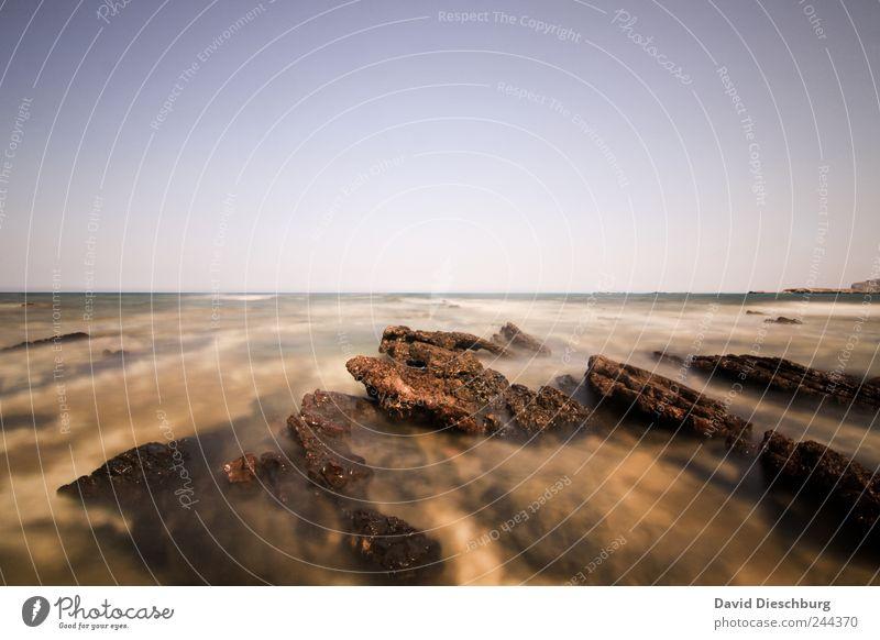 Das Meer ruhig belichtet Ferien & Urlaub & Reisen Ausflug Ferne Freiheit Sommerurlaub Insel Wellen Natur Landschaft Wasser Wolkenloser Himmel Schönes Wetter