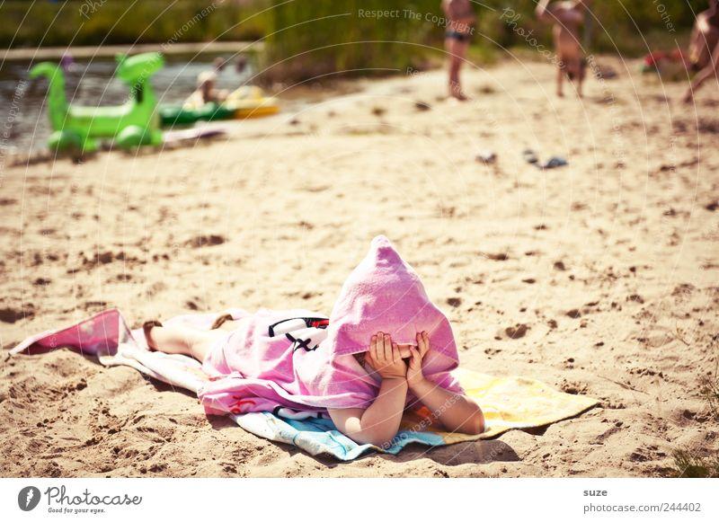 Fruchtzwerg Mensch Kind Ferien & Urlaub & Reisen Mädchen Strand Freude Umwelt Spielen Sand See lustig Kindheit Freizeit & Hobby rosa liegen Spitze