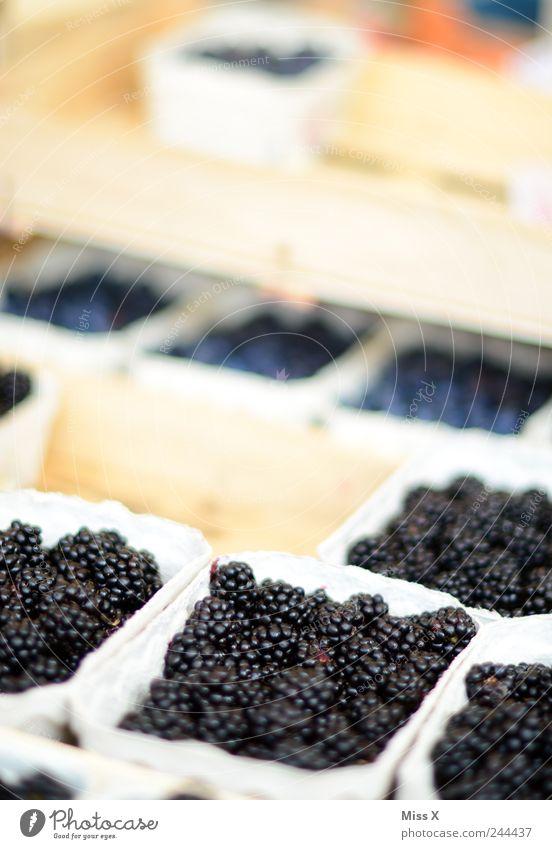 Brombeeren schwarz Ernährung Lebensmittel Frucht frisch süß lecker Bioprodukte saftig sauer Vegetarische Ernährung