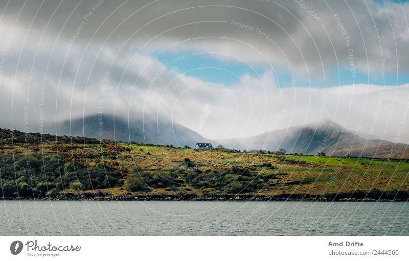 Irland Ferien & Urlaub & Reisen Ausflug Abenteuer Ferne Berge u. Gebirge Natur Landschaft Himmel Wolken Wiese Feld Hügel Wellen Küste Bucht Republik Irland Haus