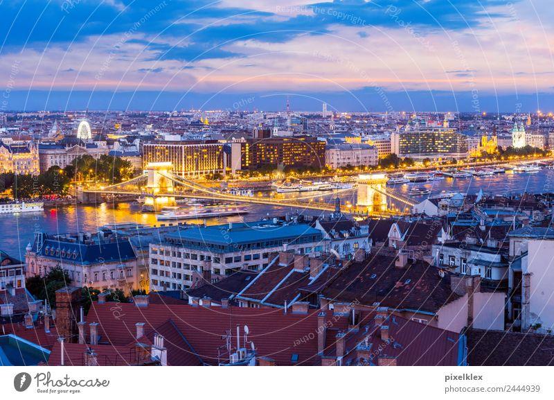 Kettenbrücke, Budapest Ferien & Urlaub & Reisen Stadt Haus Architektur Lifestyle Gebäude Business Tourismus Horizont Aussicht Europa Brücke historisch Fluss