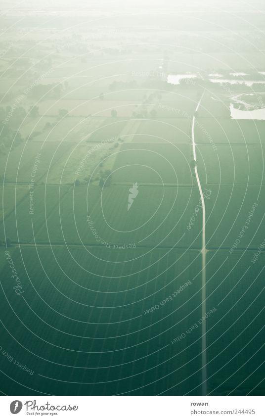 Straße Wasser grün kalt Wiese Landschaft Feld Nebel nass fliegen Landwirtschaft Fußweg Verlauf schlechtes Wetter