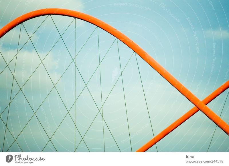 kind of fishy Himmel rot Wolken Architektur Design modern ästhetisch Fisch Brücke Bauwerk Wahrzeichen Symmetrie Schwung abstrakt Ruhrgebiet