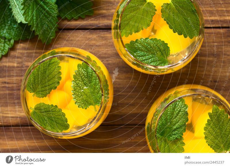 Pfirsich, Zitronenmelisse und Weißweinpunsch Frucht Kräuter & Gewürze Getränk Alkohol Wein frisch natürlich Lebensmittel trinken Bowle Kühler Melisse süß