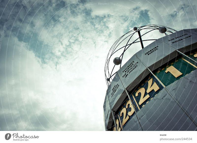 Es wird Zeit Himmel blau Wolken Umwelt Berlin Kunst Deutschland Wetter Uhr Tourismus Europa Ziffern & Zahlen rund Symbole & Metaphern Wahrzeichen