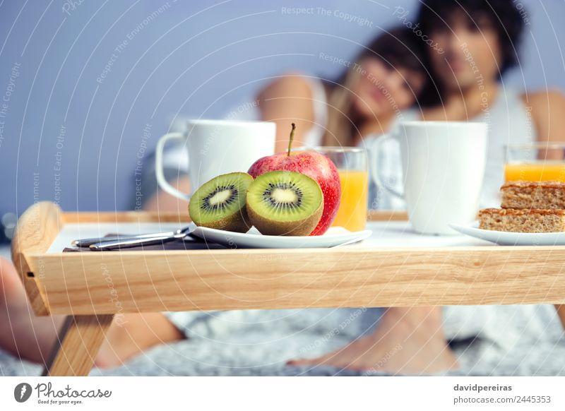 Frau Mann schön Erholung Erwachsene Lifestyle Liebe Glück Paar Zusammensein Freizeit & Hobby Frucht Lächeln Fröhlichkeit authentisch Kaffee