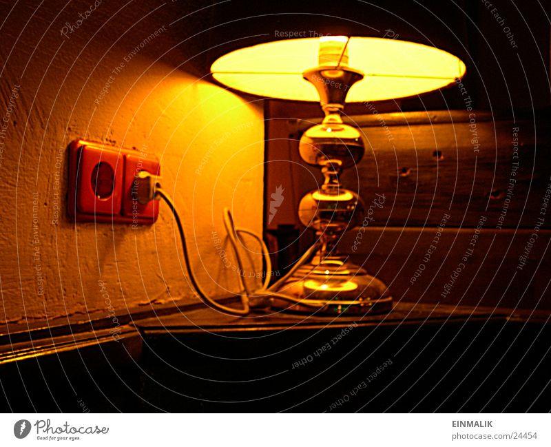 Lämplein Lampe gold Kabel Häusliches Leben Steckdose Tischlampe