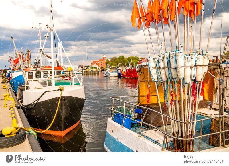 Hafen von Ustka, Polen Ferien & Urlaub & Reisen Schifffahrt Fischerboot Abenteuer Tourismus boat ustka stolpmünde polen fischereihafen fischkut markierungsbojen