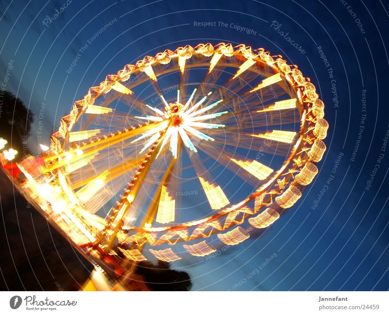 Riesenrad mal wieder ... Bewegung Jahrmarkt Riesenrad Travemünde