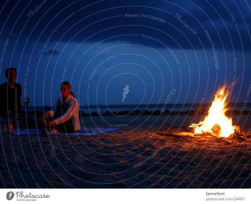 Feuercampen 2 Strand Klippe Camping Nacht Langzeitbelichtung Feuerstelle Brand Brodtener Ufer Ostsee