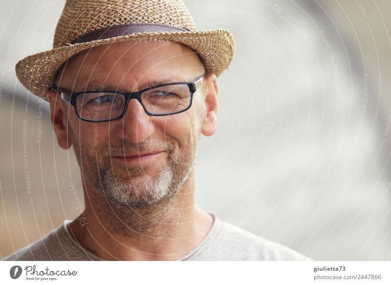 Hamburger Jung | UT Dresden maskulin Mann Erwachsene Männlicher Senior Leben 1 Mensch 45-60 Jahre 60 und älter Brille Hut Strohhut grauhaarig Glatze Bart