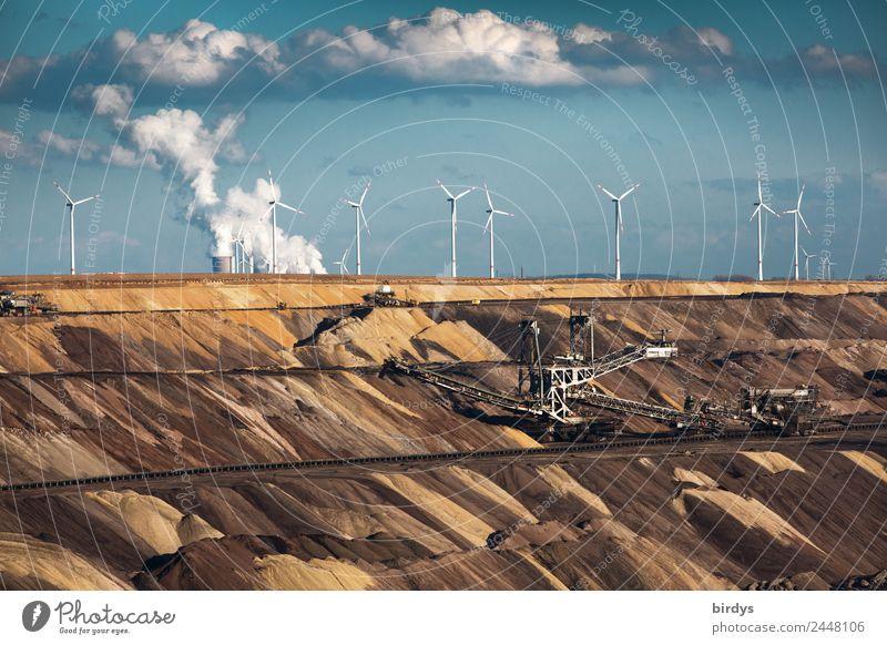 Braunkohlentagebau Garzweiler Arbeitsplatz Energiewirtschaft Erneuerbare Energie Windkraftanlage Kohlekraftwerk Himmel Wolken Klimawandel authentisch bedrohlich