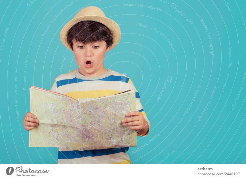 Kind Mensch Ferien & Urlaub & Reisen Lifestyle Gefühle Bewegung Tourismus Ausflug maskulin wandern Kindheit Fröhlichkeit Abenteuer Neugier Sommerurlaub